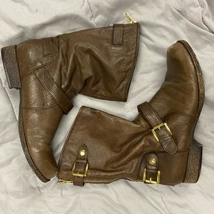 BOGO FREE⚡️Steve Madden brown boots gold zipper